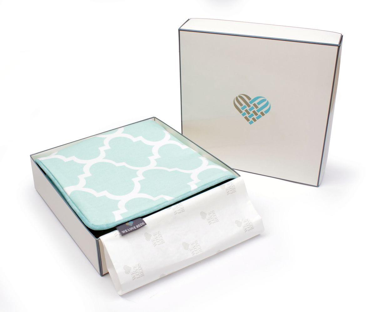 Poduszka dekoracyjna Clover Mint 60x60 cm - We Love Candles&We Love Beds