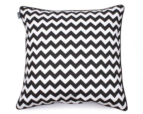 Poduszka dekoracyjna Zig Zag Black White 60x60 cm - We Love Candles&We Love Beds   JestemSlow.pl
