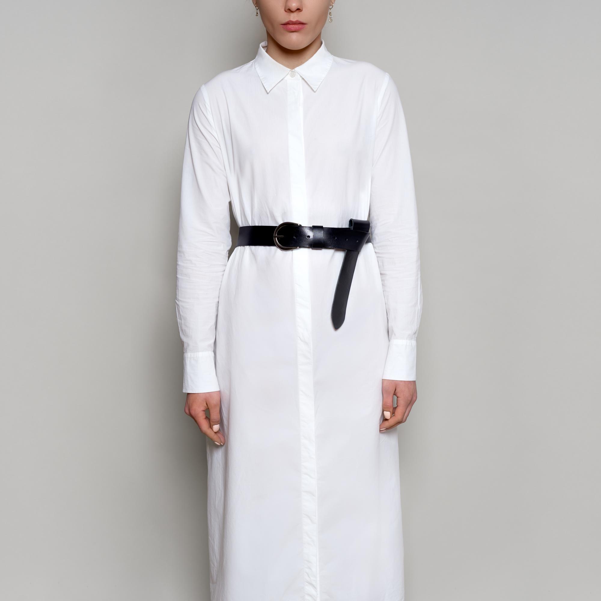 Pasek dostępny w dwóch kolorach:  czarnym jak na zdjęciu oraz w naturalnym. Szerokość 4 cm. Gruby pasek na klamrę. Idealny do marynarek, płaszczy, sukienek.  Końcówkę paska zawiązuj jak lubisz, dzięki niestandardowej szlufce.