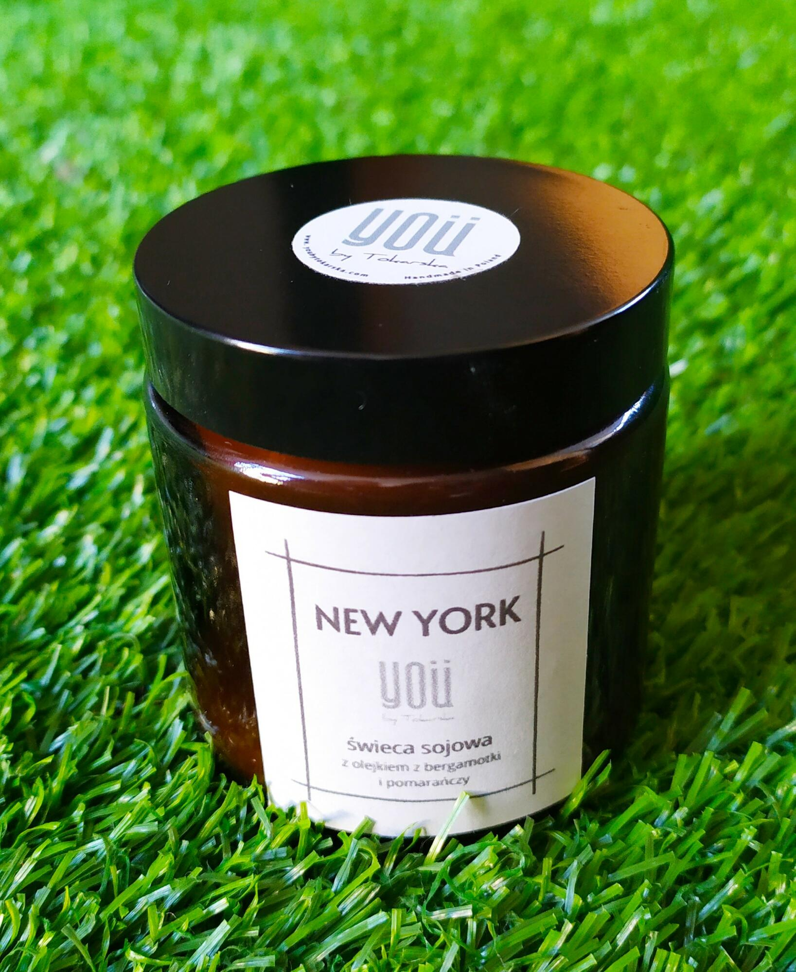 Rozbudzająca zmysły świeca sojowa vege New York - You by Tokarska   JestemSlow.pl