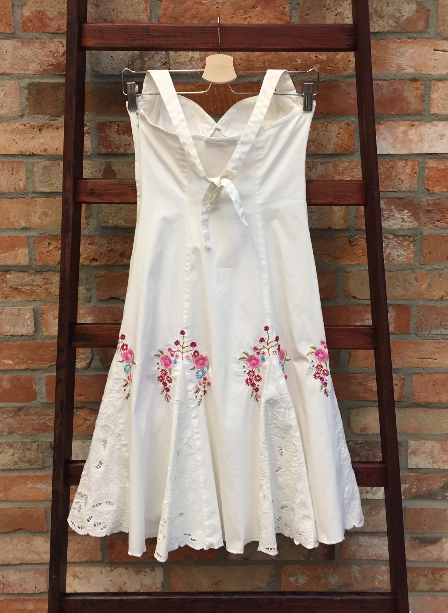 Sukienka BETSY JOHNSON z haftem - Vintage Store   JestemSlow.pl