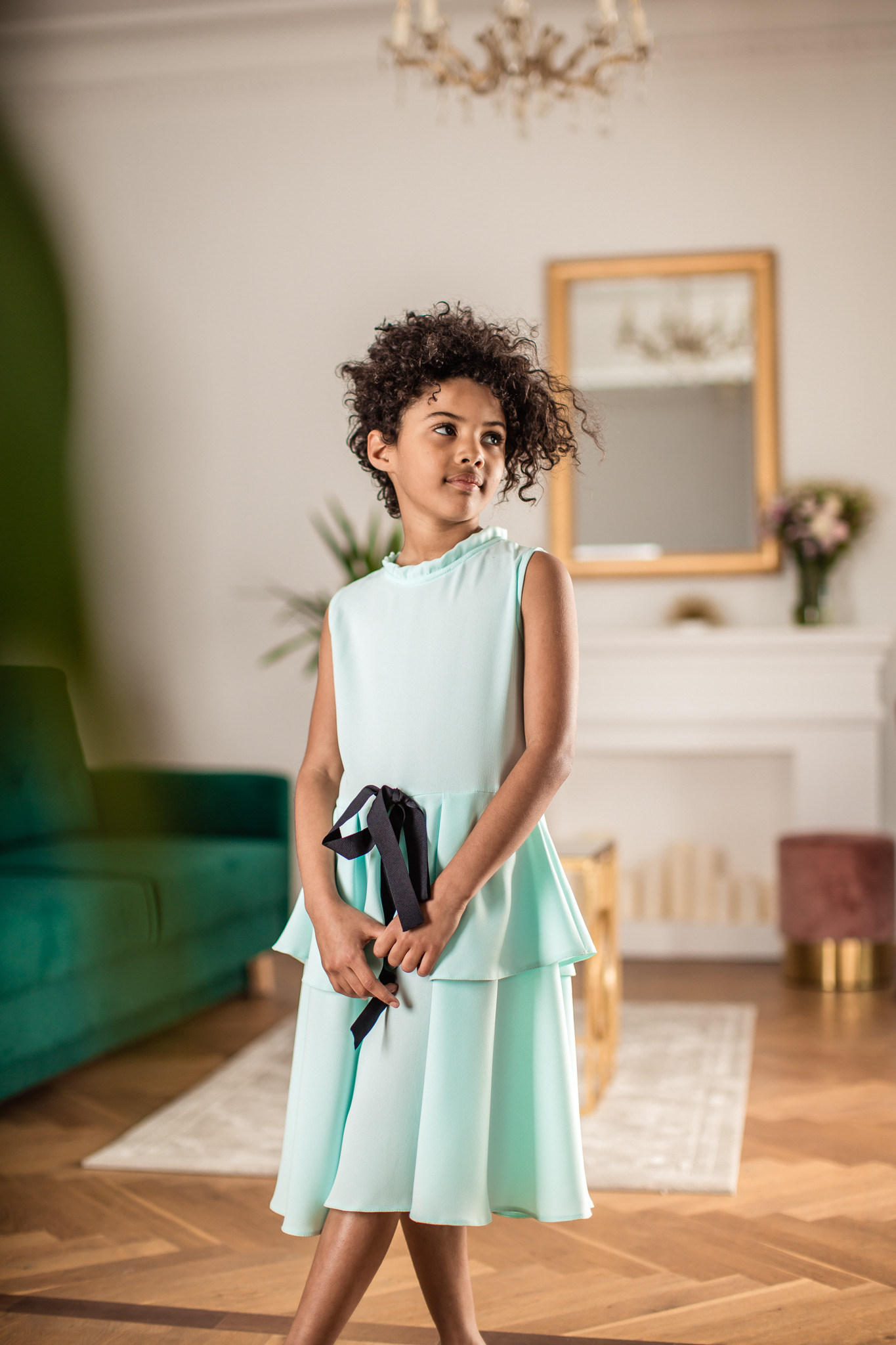 Sukienka miętowa z czarną kokardką - Domino.little.dress