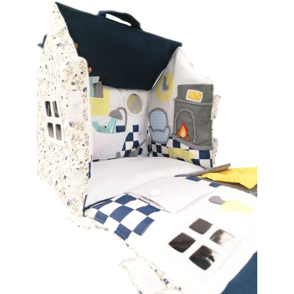 Granatowy Domek Misia - Bejbik Books