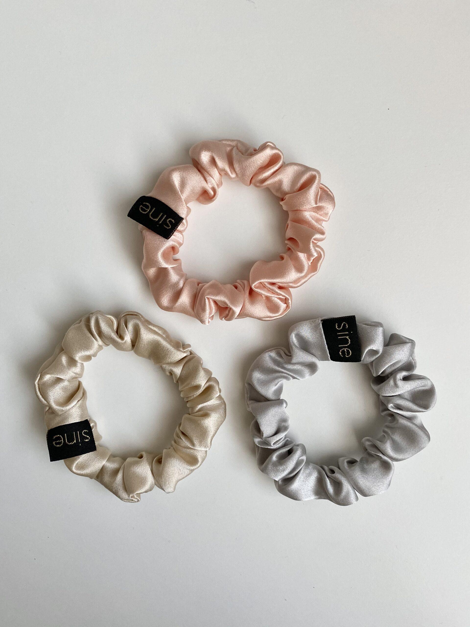 Zestaw trzech jedwabnych gumek mini | SILVER | PINK | CREAM - Sine Silk | JestemSlow.pl
