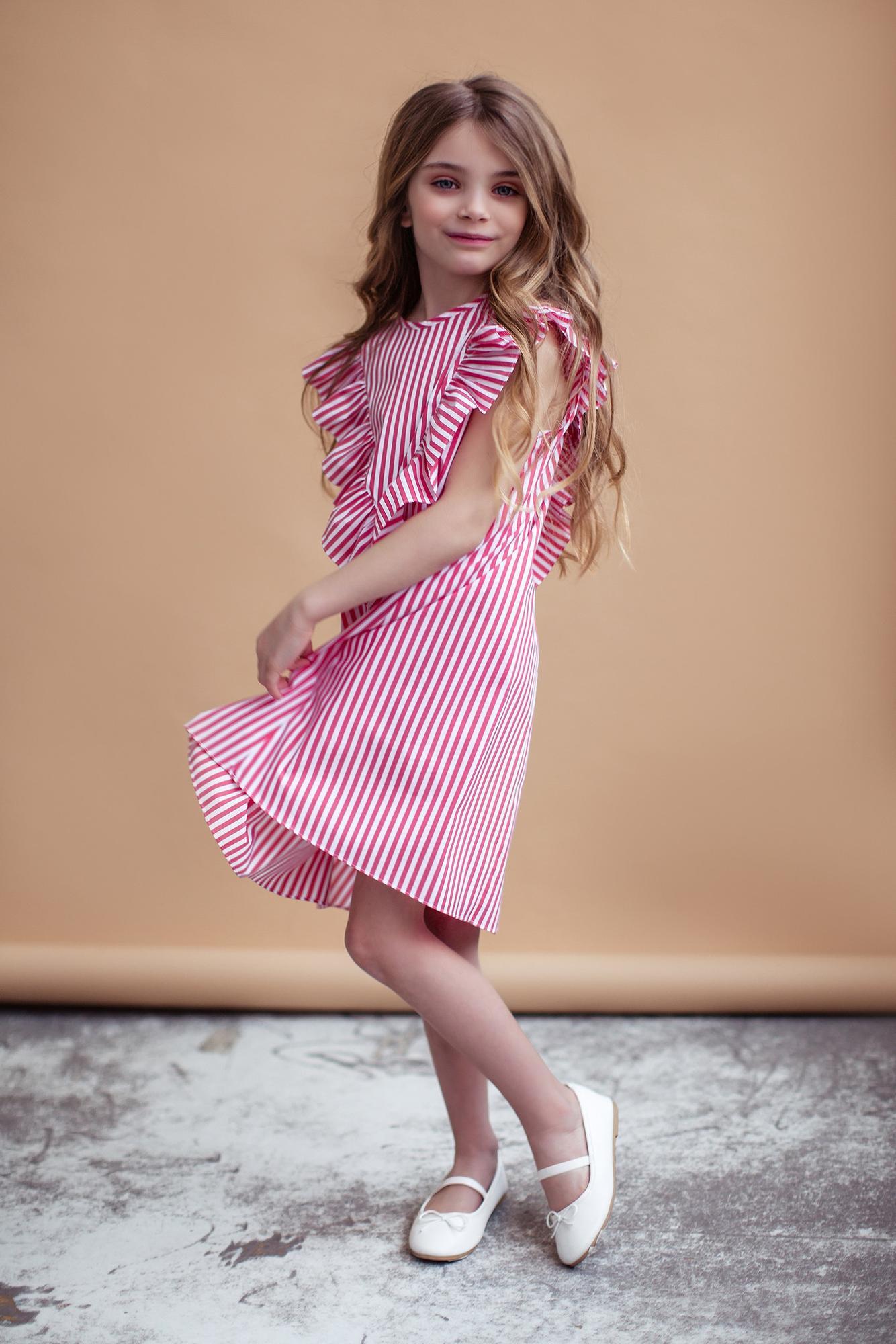 Sukienka z falbanką w czerwone paski - Domino.little.dress