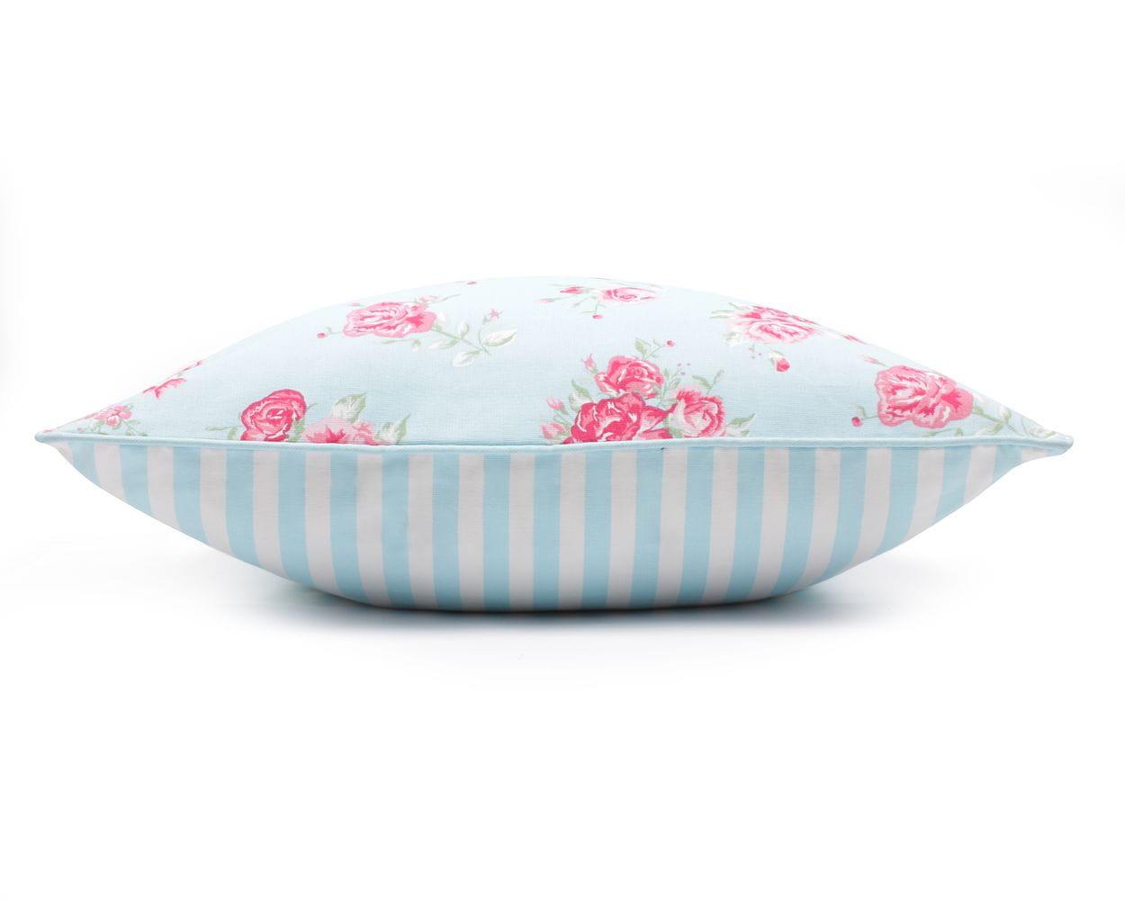 Poduszka dekoracyjna Roses Blue 60x60 cm - We Love Candles&We Love Beds