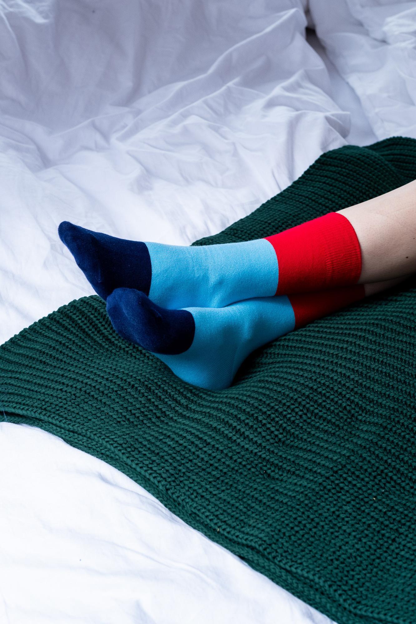 Skarpetki trzykolorowe czerwone niebieskie granatowe - KABAK