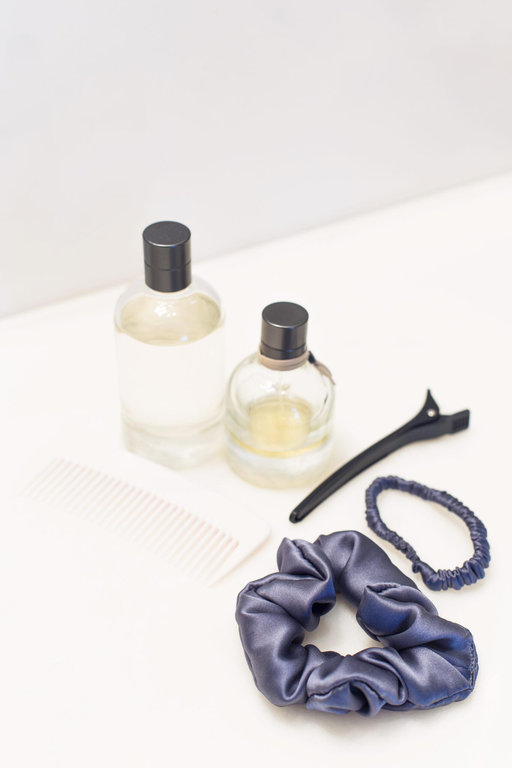 Silk Scrunchies Sapphire Blue - Yoga Retreatment   JestemSlow.pl