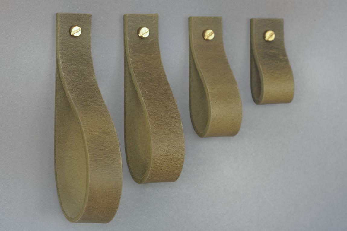 Skórzany uchwyt meblowy Lade #6 oliwkowy - Steil