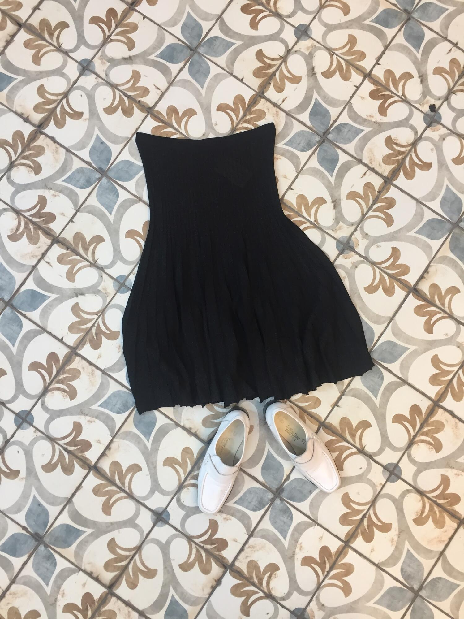 Czarna plisowana spódnica - Vintage Store | JestemSlow.pl