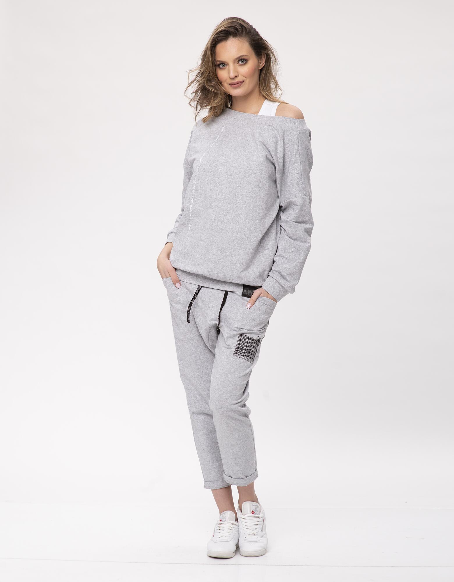 Bluza dresowa z dekoltem Ada Look - LOOK made with Love | JestemSlow.pl