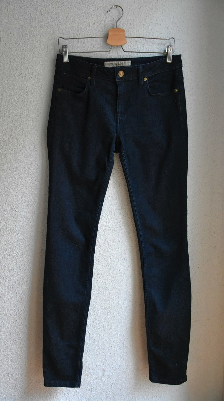 Granatowe jeansy Burberry Brit - PONOŚ SE vintage shop | JestemSlow.pl