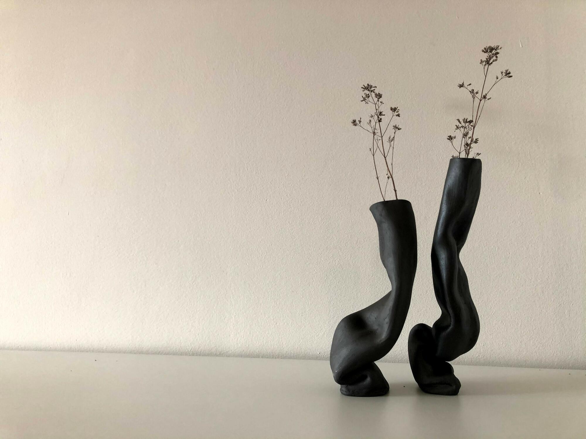 Komplet czarnych wazonów ZAGIĘCIA - Lui & Clay | JestemSlow.pl