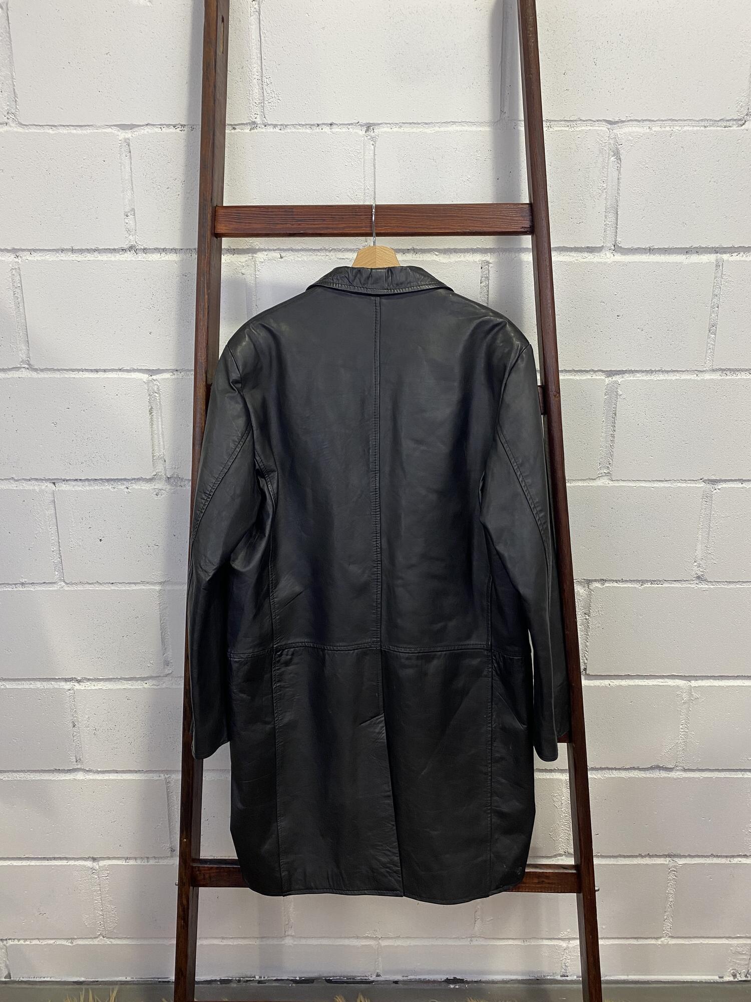 Skórzana dłuższa kurtka czarna  oversizowa - Vintage Store | JestemSlow.pl