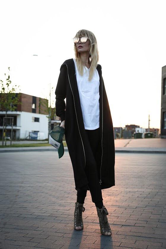 Bluza SEMI SILVER BLACK - Maja Małolepsza