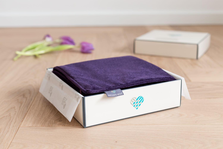 Poduszka dekoracyjna Dark Violet 40x60 cm - We Love Candles&We Love Beds