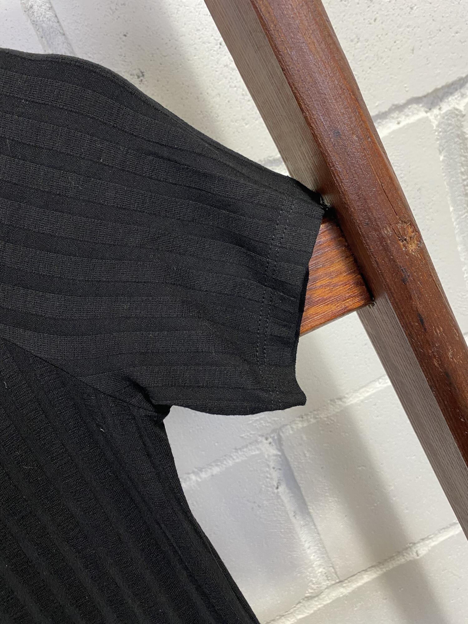 Czarna bluzka z odkrytymi ramionami H&M - Vintage Store | JestemSlow.pl