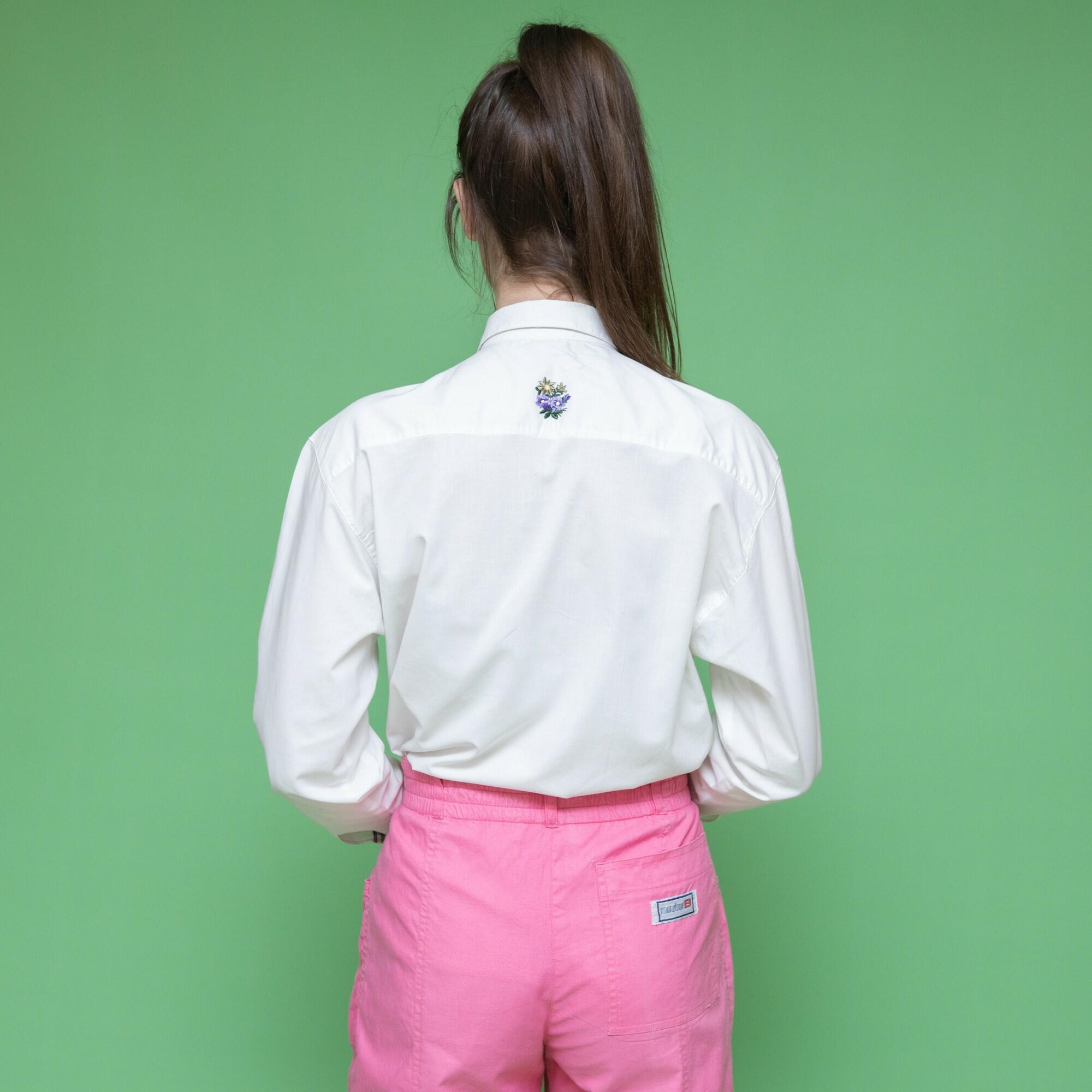 Biała koszula z haftowaną kieszonką - KEX Vintage Store   JestemSlow.pl