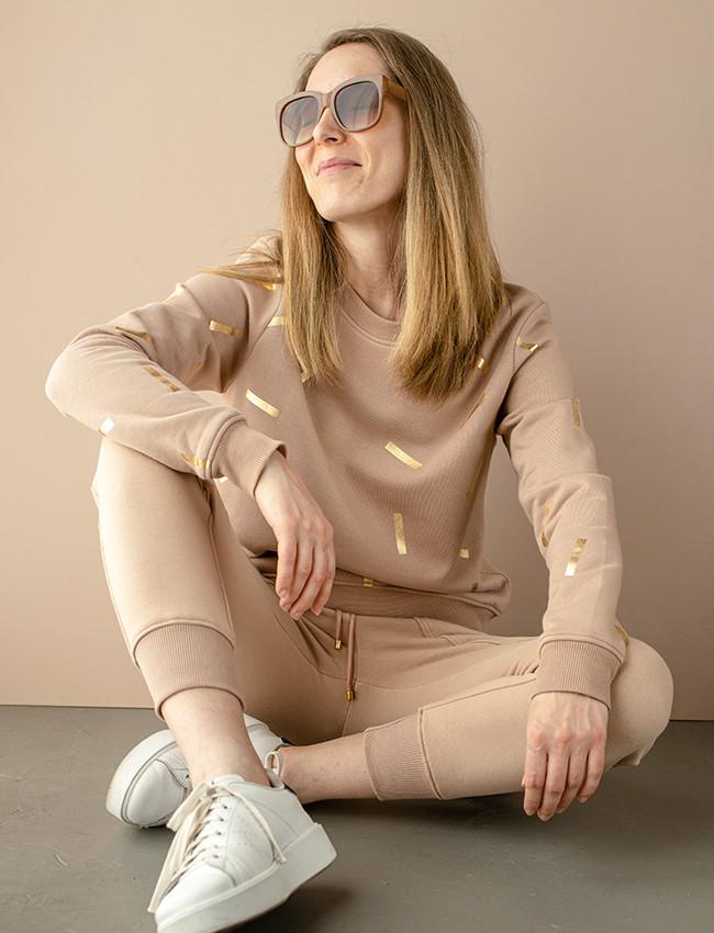 Beżowa bluza w złote printy DONATELLA - Cocoon