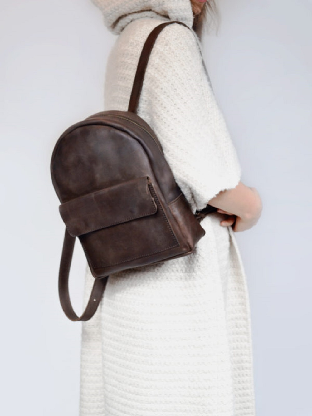 PLECAK P04 VINTAGE BROWN - plecak brązowy retro ze skóry naturalnej - plecak mały z kieszonką - Lezerton