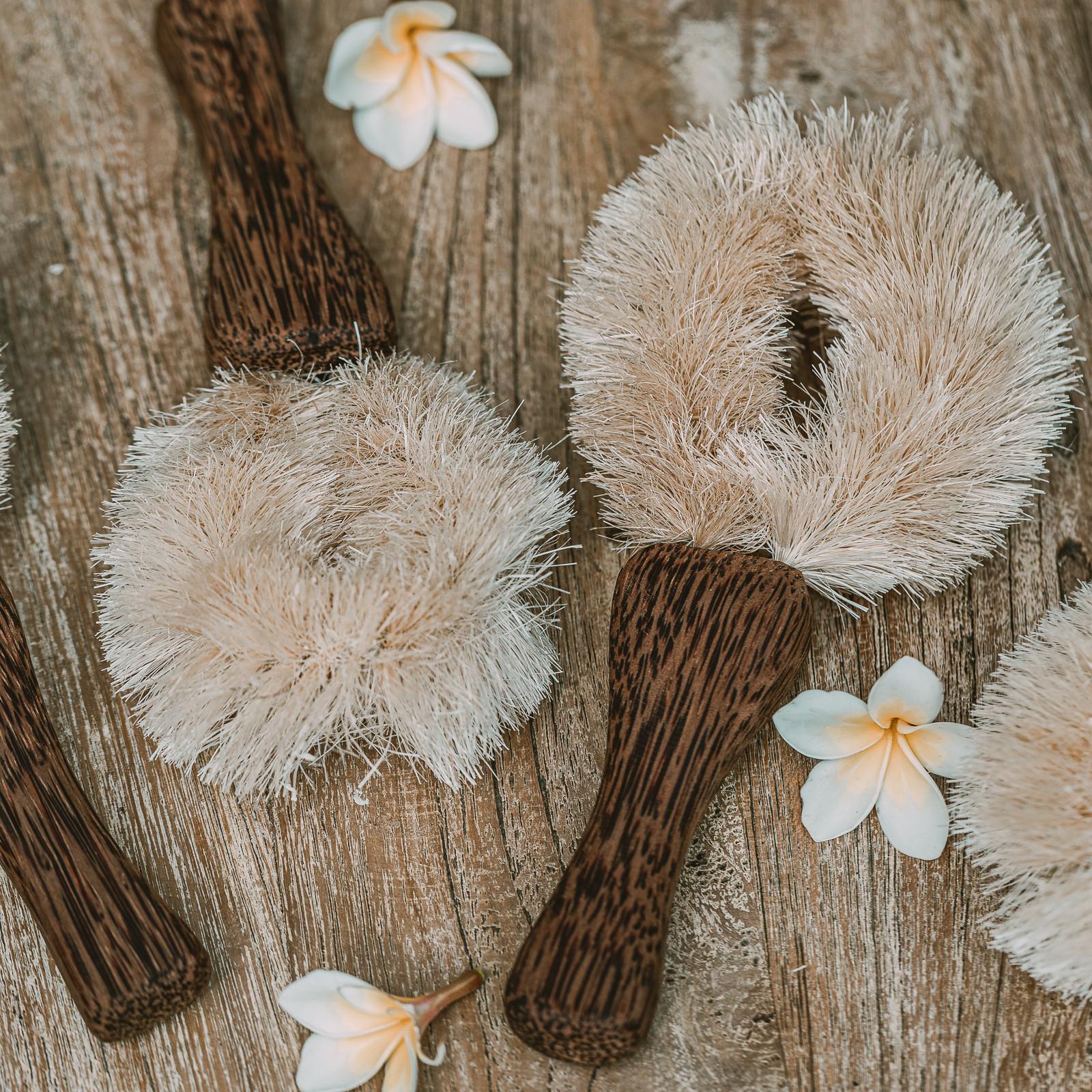 """Szczotka """"tawashi"""" na kokosowej rączce - szczotka do naczyń - szczotka do wanny - COCOBAMBOO"""