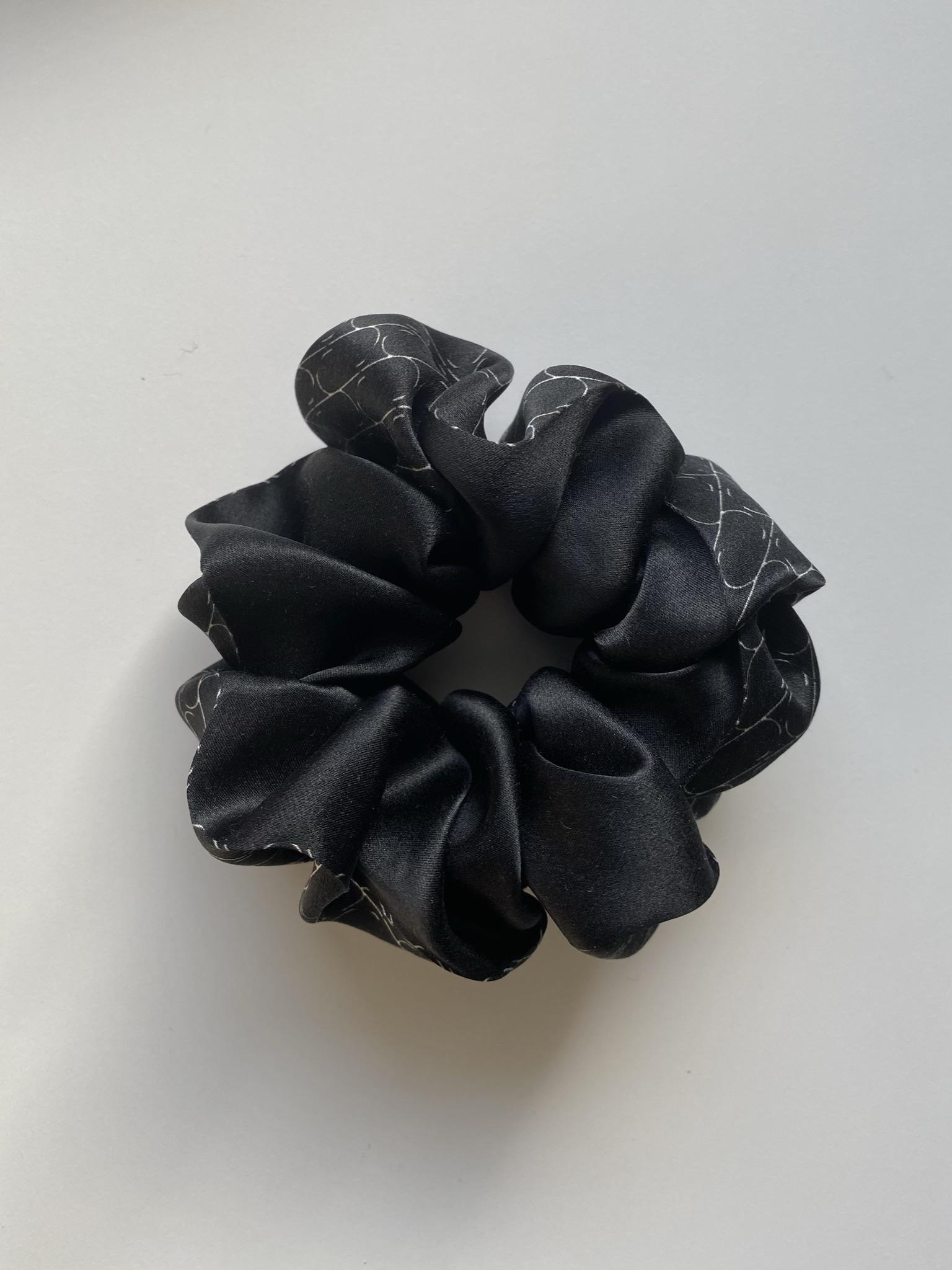Jedwabna gumka do włosów Sine Silk BLACK - Sine Silk | JestemSlow.pl