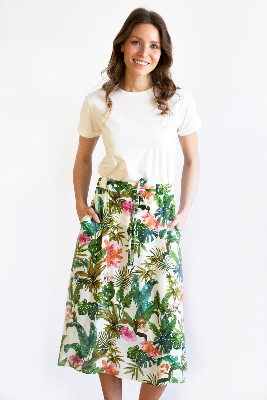 Spódnica CINA biała w kwiaty wiskoza Ecovero PRZEDSPRZEDAŻ - VOLNA