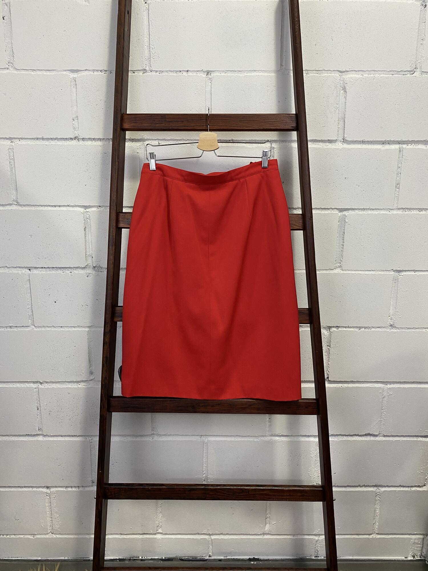 Czerwona spódnica z guzikami na całej długości DEL MOD - Vintage Store | JestemSlow.pl