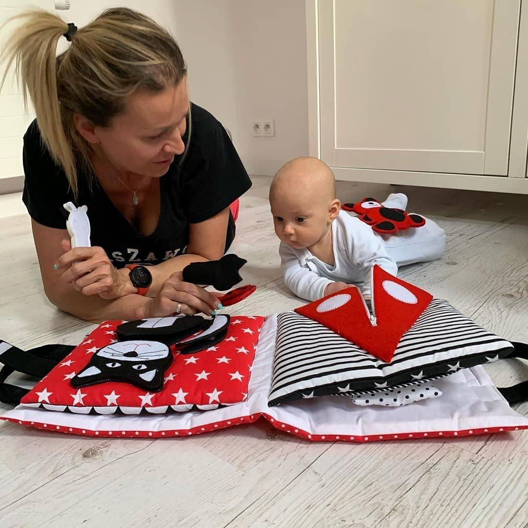 Książeczka sensoryczna 0+ dla niemowląt - TimoSimo   JestemSlow.pl