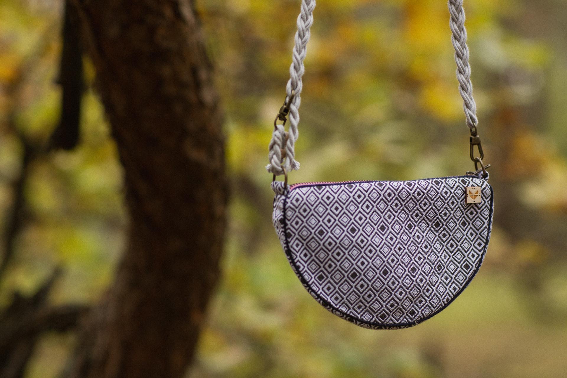 TOREBKA półksiężyc srebrna mgła - HAJDE