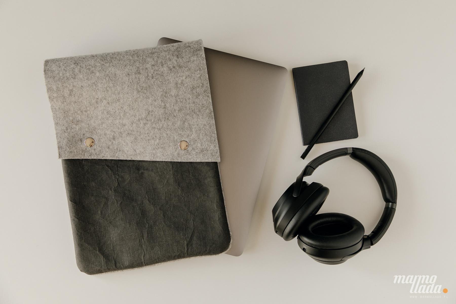 marmollada - etui filcowe NA Macbooka z czarnymi dodatkami - Marmollada | JestemSlow.pl