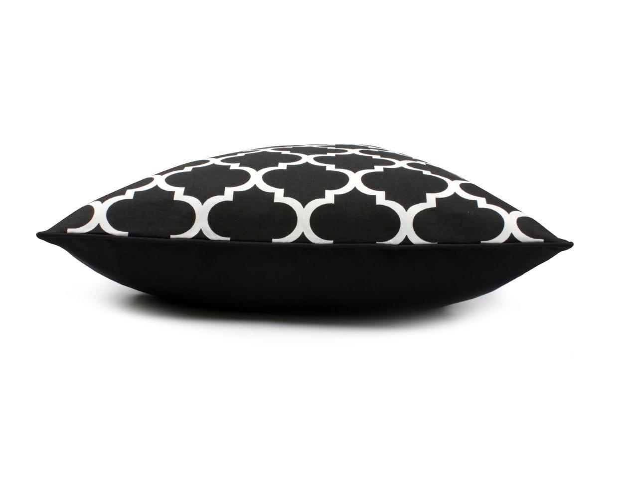 Poduszka dekoracyjna Clover Black 60x60 cm - We Love Candles&We Love Beds