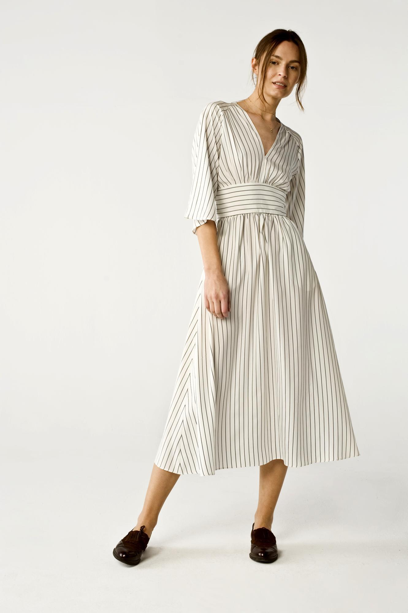 Raisa sukienka z jedwabiu - Son Trava