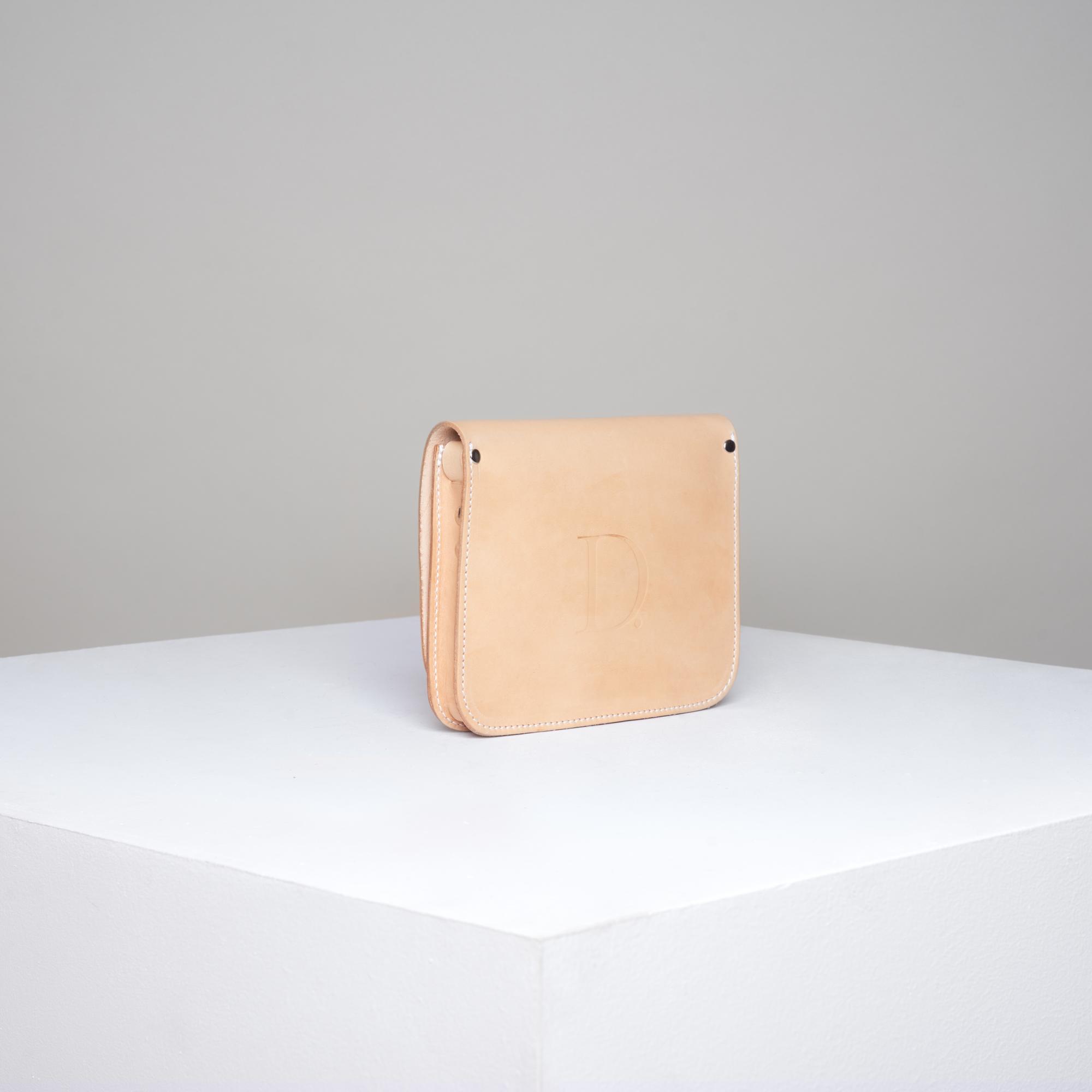 Skórzana torebka rozmiar S jasna beżowa - Departament.Store