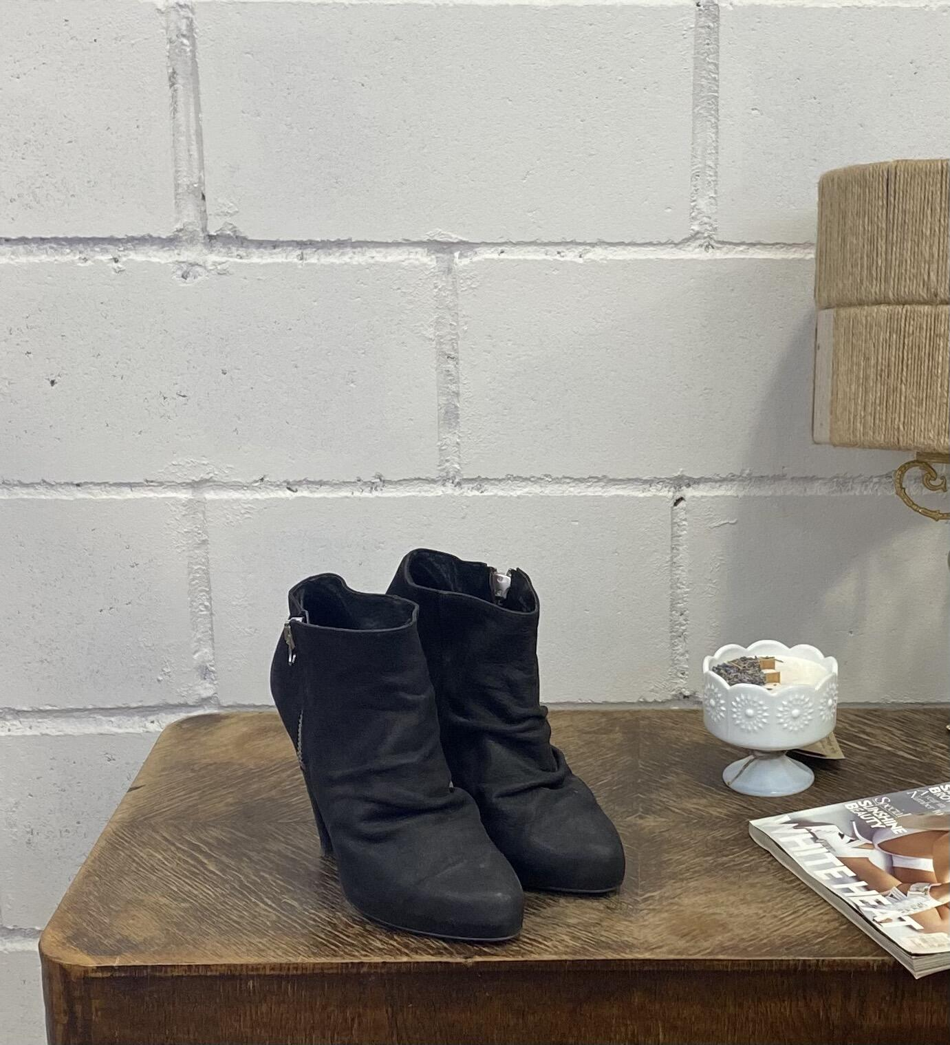 Czarne botki na wysokim obcasie ZARA - Vintage Store | JestemSlow.pl