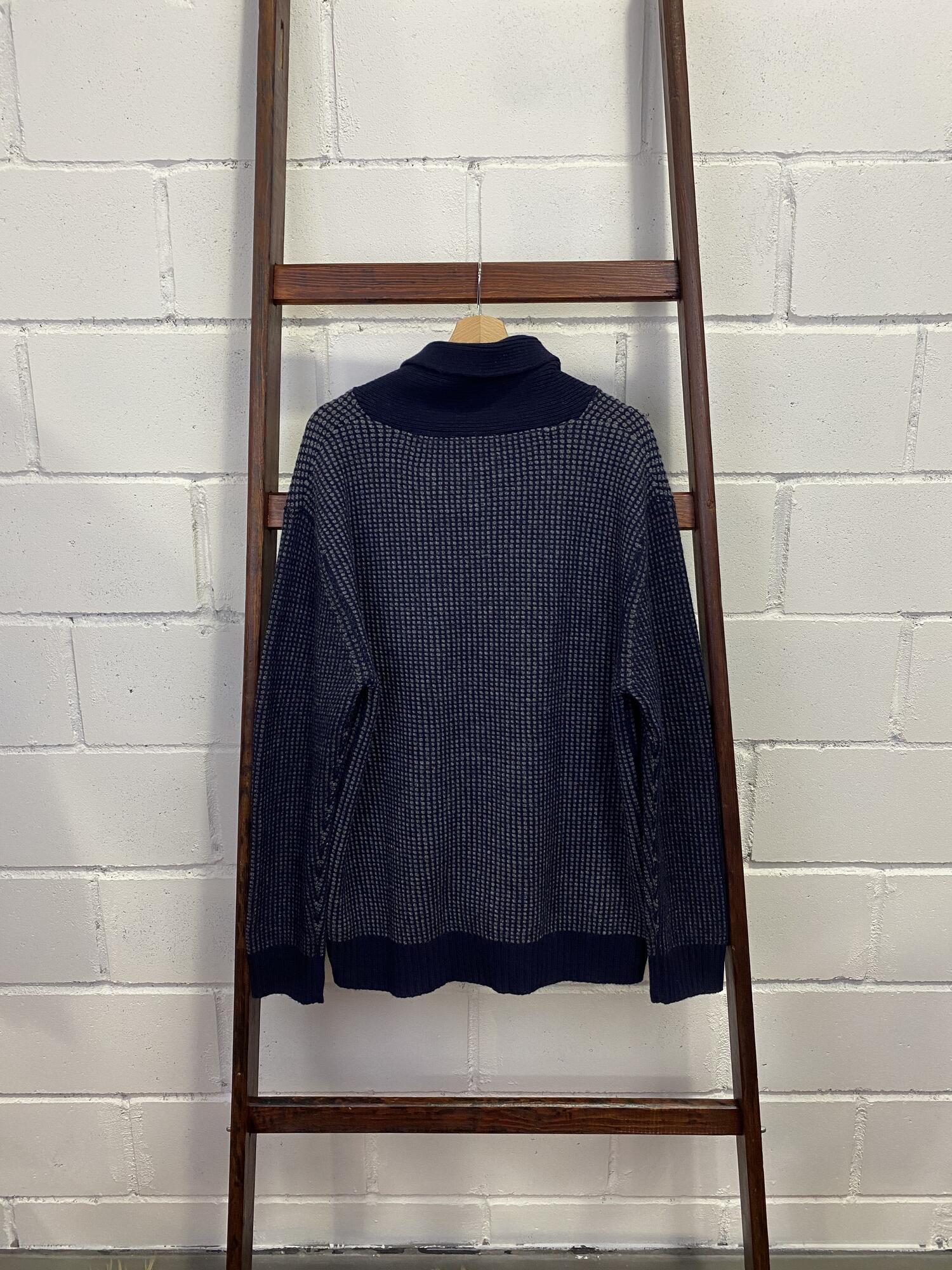 Granatowy  sweter w szare drobne kwadraty DUTCH DENIM - Vintage Store   JestemSlow.pl