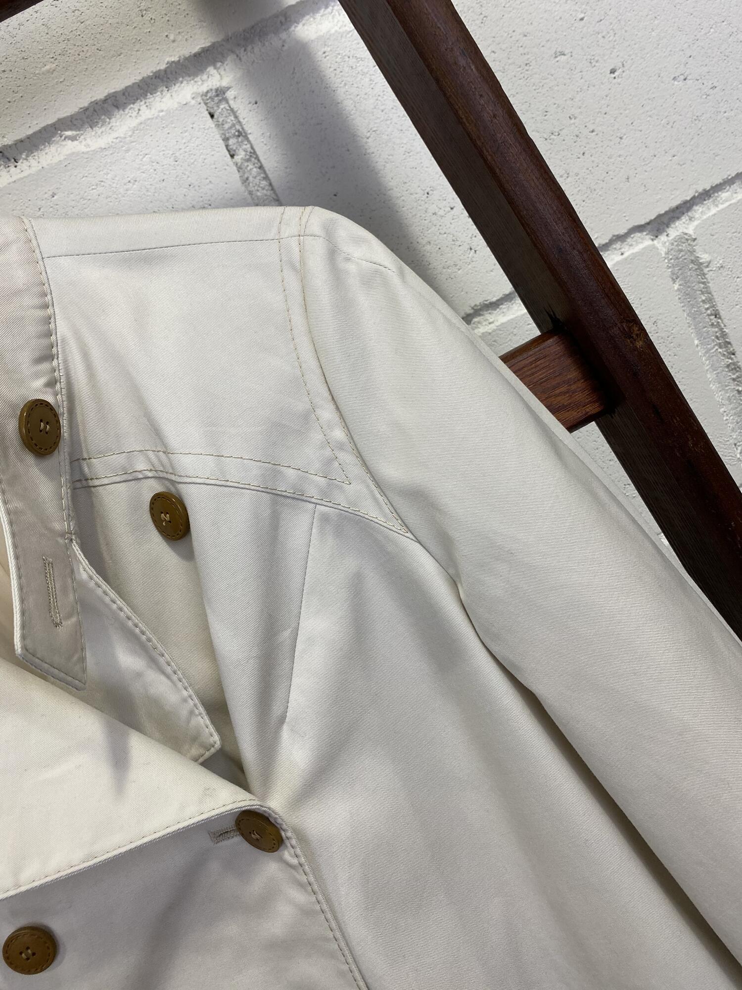 Dwurzędowy cienki płaszcz ecru z brązowymi guzikami KEMPER - Vintage Store   JestemSlow.pl