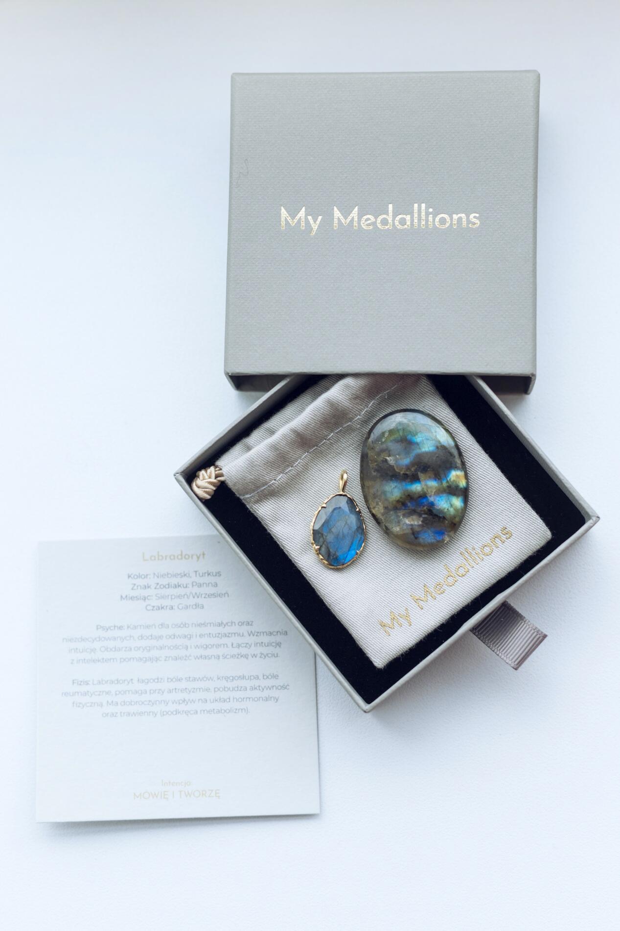 My Medallions Teardrop Kamień Księżycowy - Yoga Retreatment   JestemSlow.pl