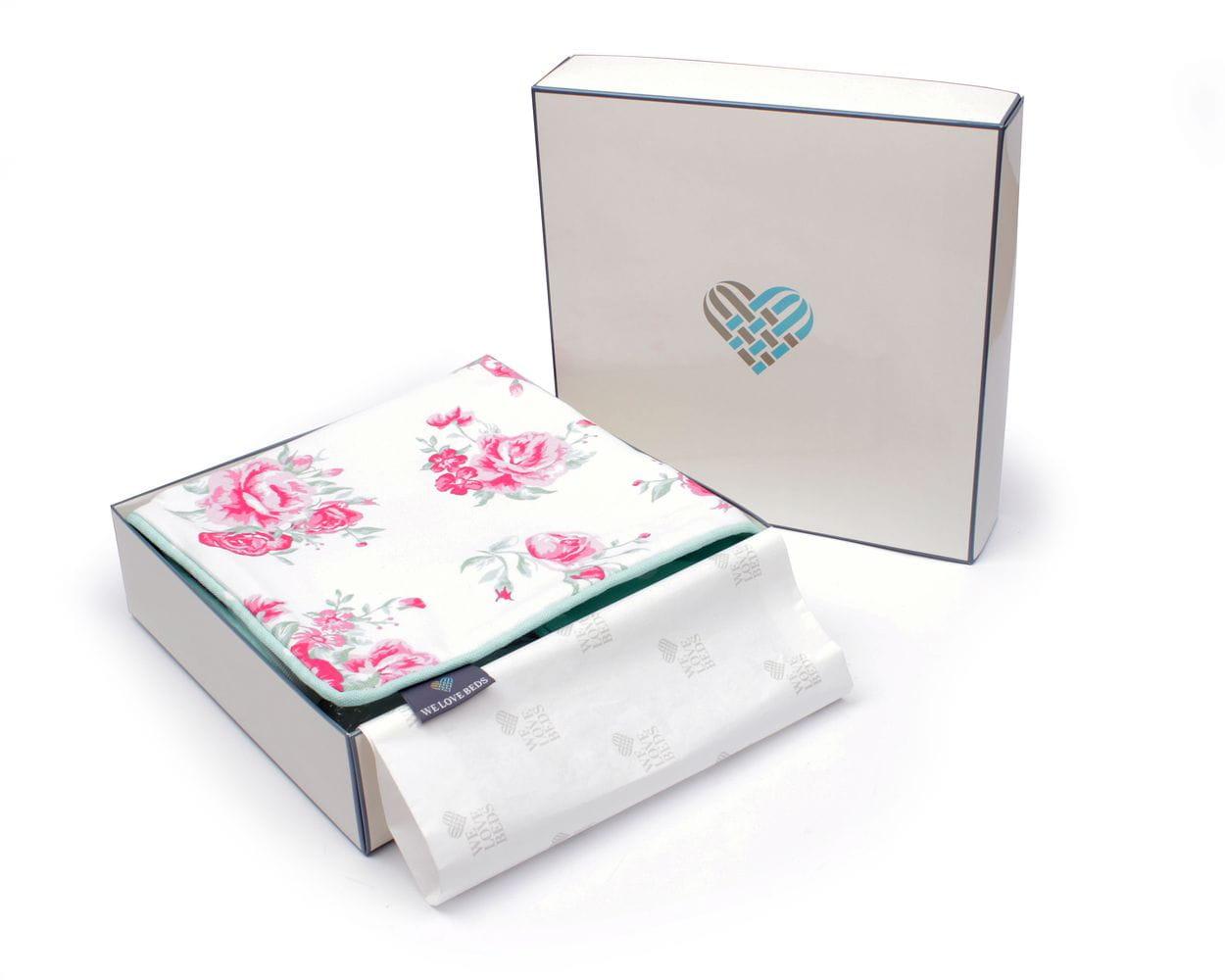 Poduszka dekoracyjna Roses Mint 40x60 cm - We Love Candles&We Love Beds