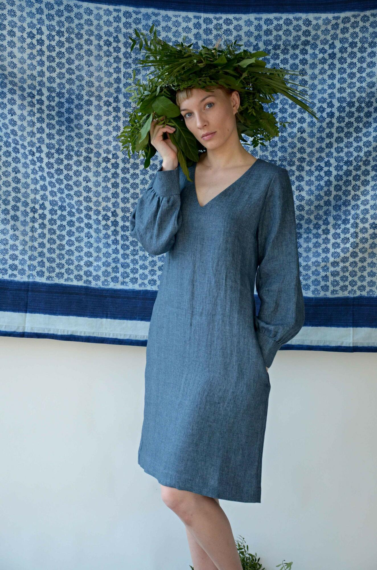Sukienka No5 lniana w kolorze melanżowego dżinsu - Bäckerei Bytom | JestemSlow.pl