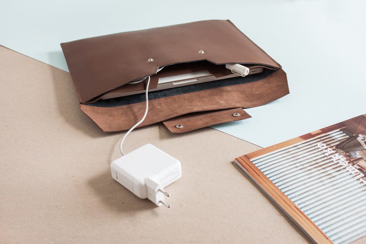 Laptop Case Brown - Alicja Getka lab