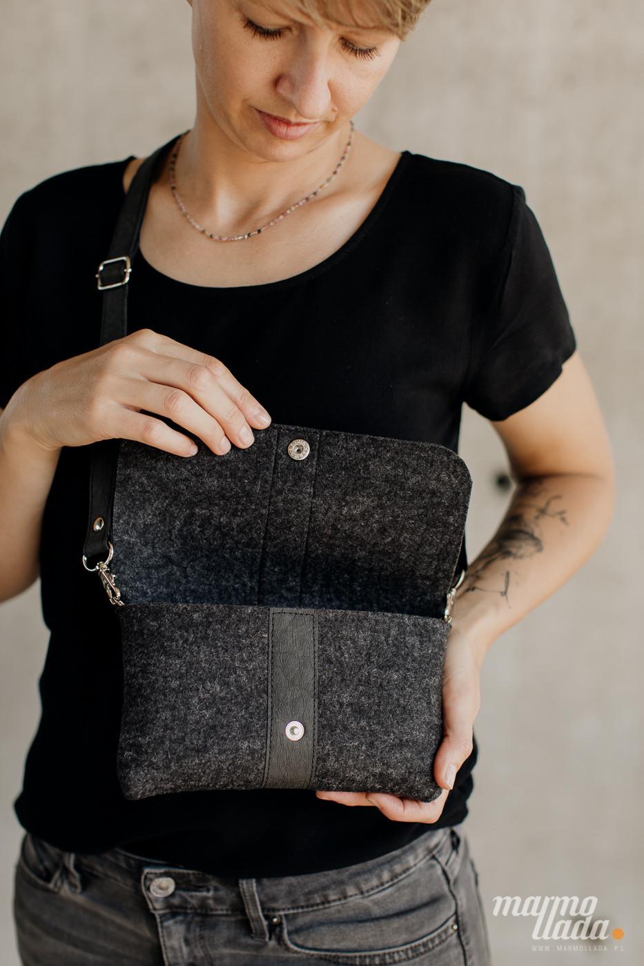 marmollada - torebka filcowa mała GRAFITOWY MELANŻ z czarnymi dodatkami - Marmollada