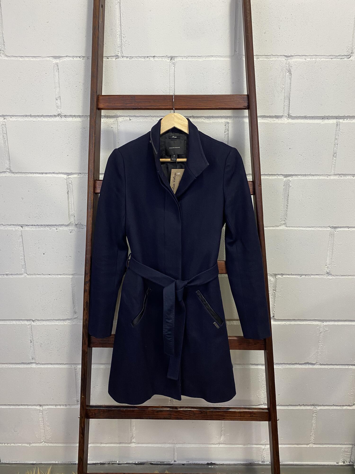 Granatowy płaszcz MAISON SCOTCH z paskiem - Vintage Store   JestemSlow.pl