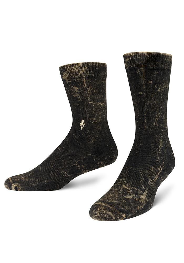 Skarpety męskie Gloom świetnie zadbają o Twoje stopy przez cały dzień, a ich niebanalny wygląd zwróci uwagę. Skarpety są niebywale miękkie, trwałe i wygodne, dzięki zastosowaniu najlepszej bawełny, samoregulujących ściągaczy, bezszwowych przeszyć palców i poduszki frotte. Załóż skarpety Gloom i się przekonaj.