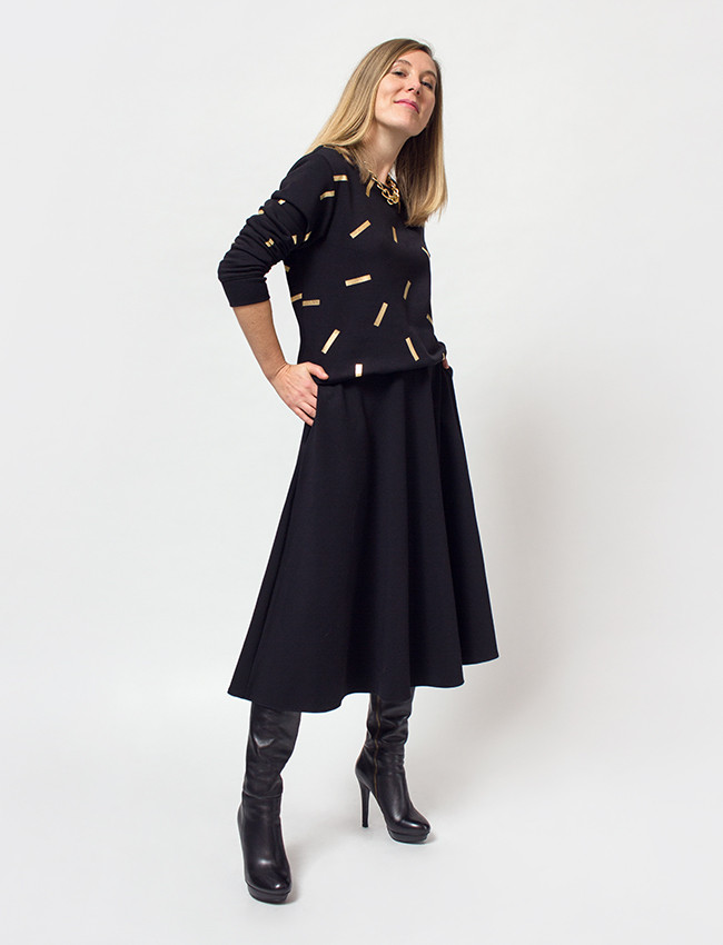 Czarna bluza w złote printy DONATELLA - Cocoon