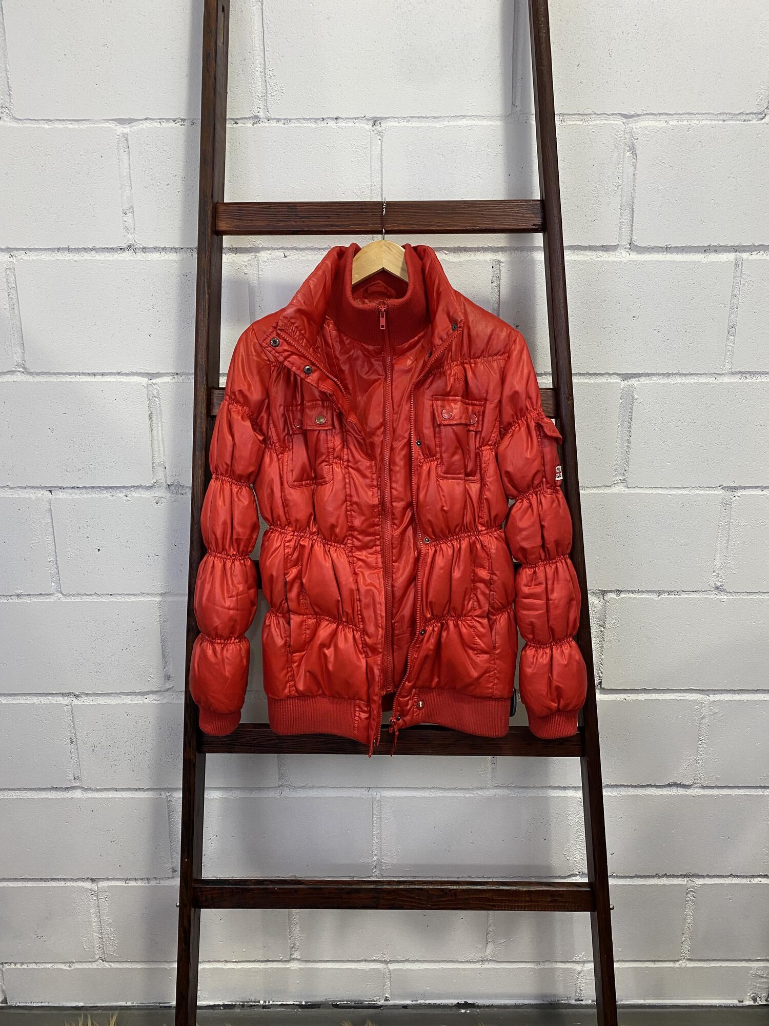 Czerwona pikowana kurtka PEPE JEANS - Vintage Store | JestemSlow.pl