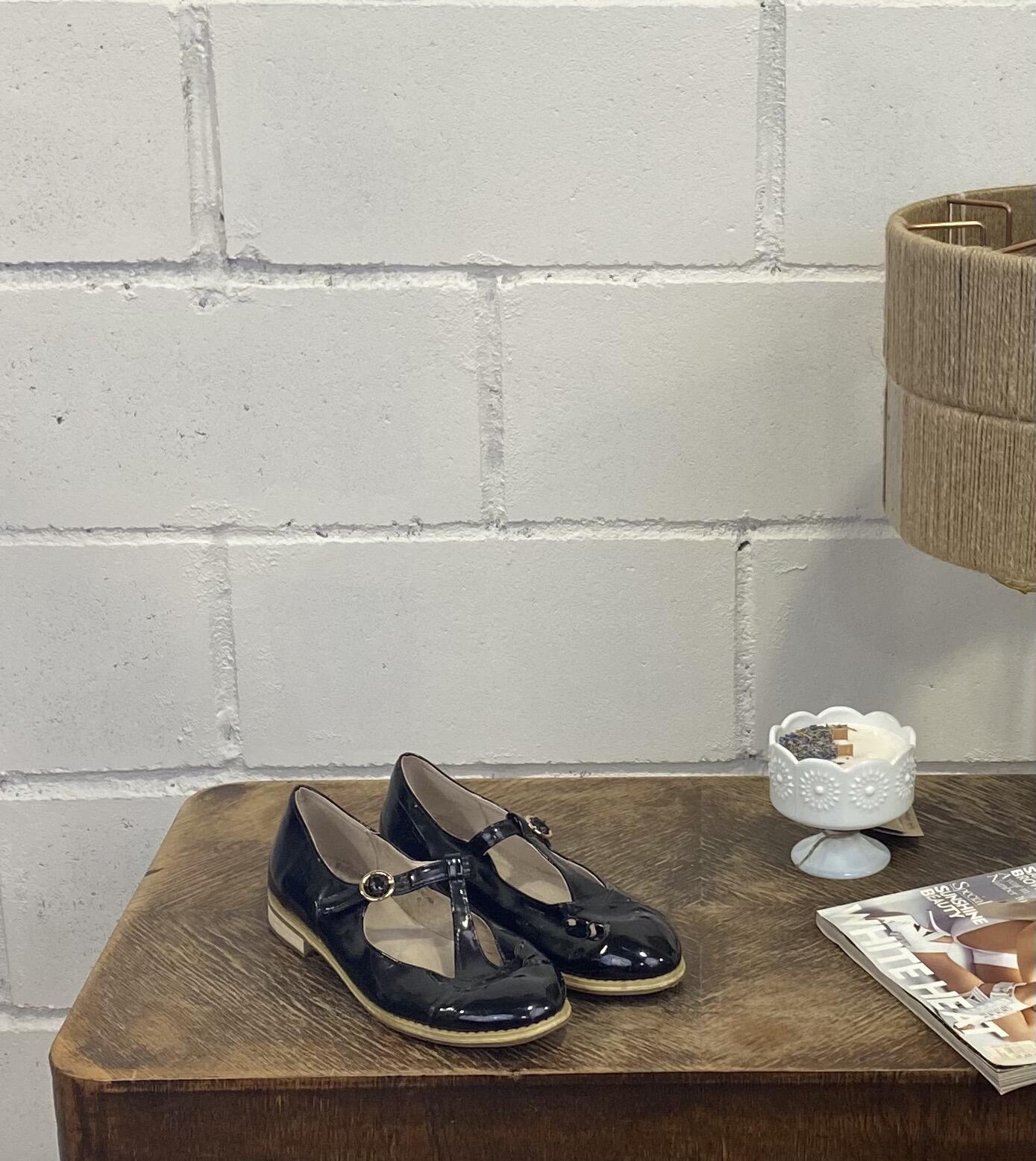 Czarne buty lakierowane TOP SHOP - Vintage Store   JestemSlow.pl