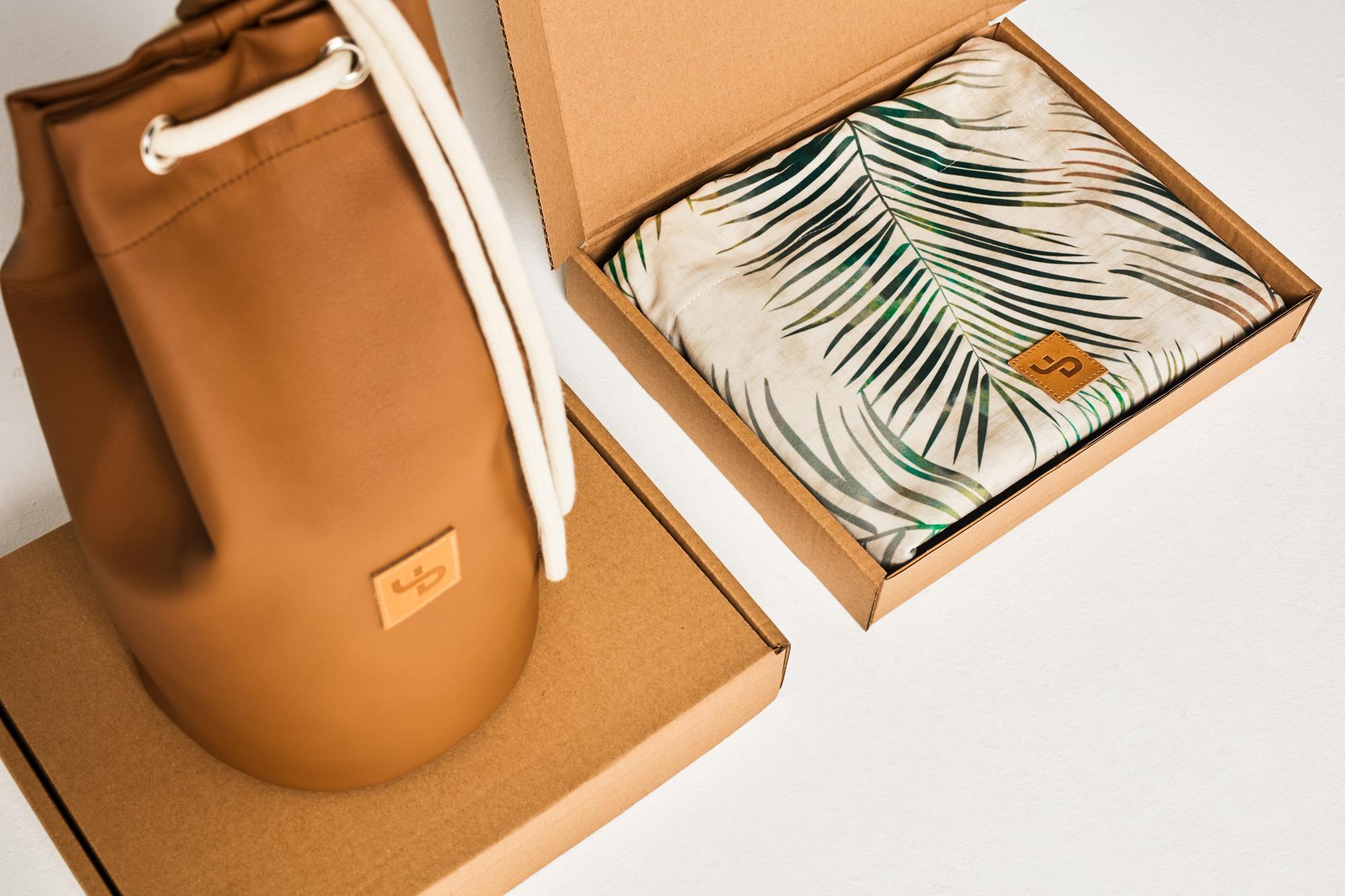 Brązowy plecak-tuba / almond skóra syntetyczna brązowy nieprzemakalny wytrzymały na wyjazd - Lootbag