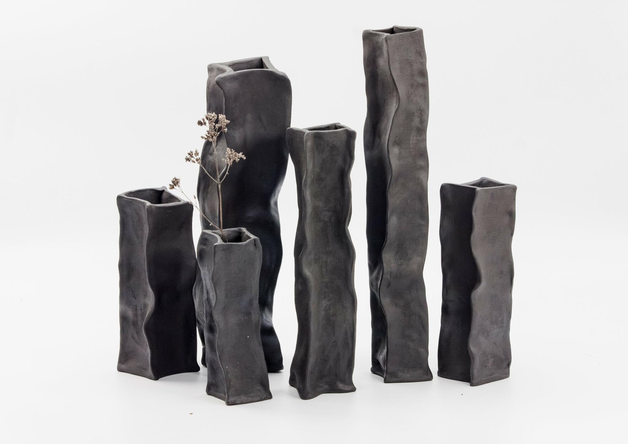 Komplet czarnych wazonów PAPIEROWE TORBY / mniejsze - Lui & Clay | JestemSlow.pl