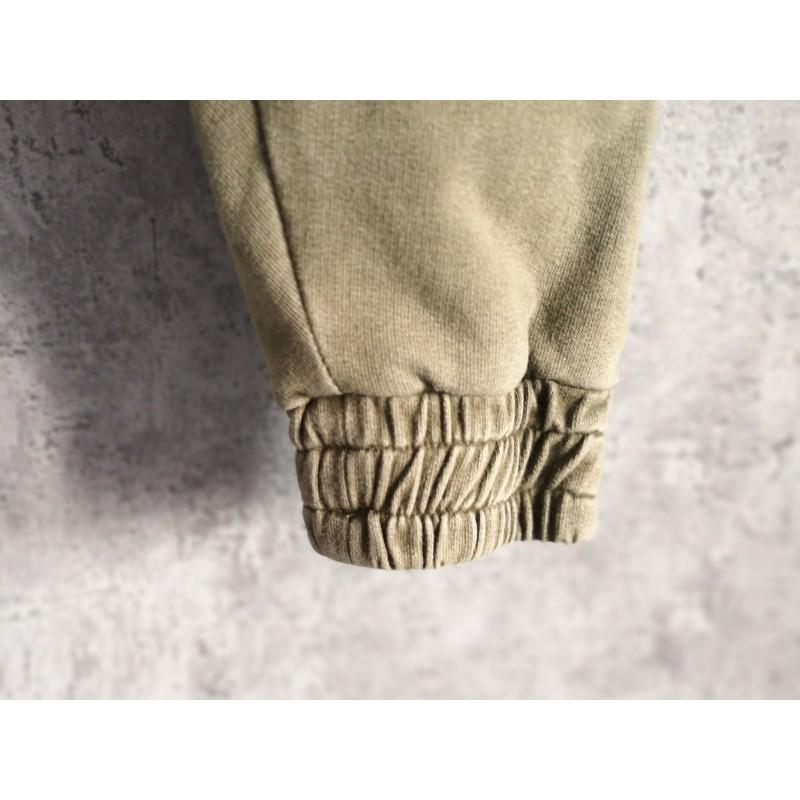 Spodnie Joggery Olive - spodnie oliwkowe dla dziecka - spodnie z obniżonem krokiem - spodnie z bawełny - spodnie na wiosnę - spodnie na lato - IgiBu